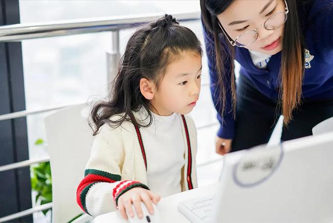 少儿编程是什么?让孩子学编程有什么好处?